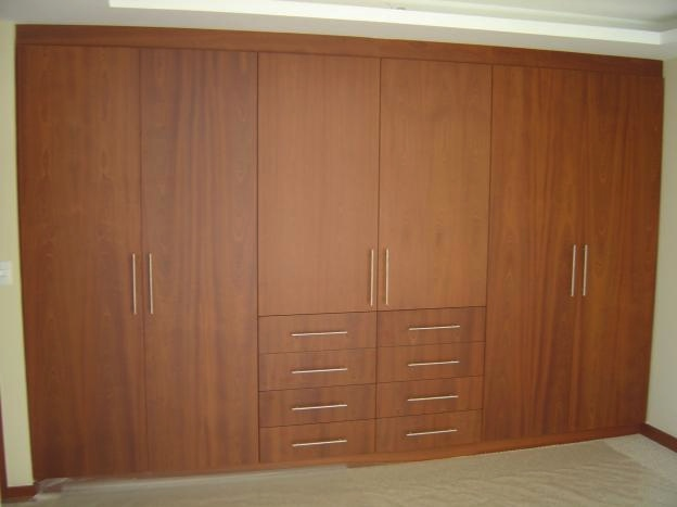 Closets carpinteria residencial slp for Closet modernos armables