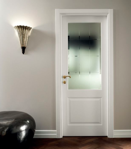 Puertas blancas con vidrio carpinteria residencial slp for Puertas de madera con vidrio para interior