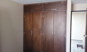 closet en madera de banak