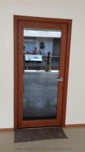 puerta-de-madera-con-vidrio-en-san-luis-potosi