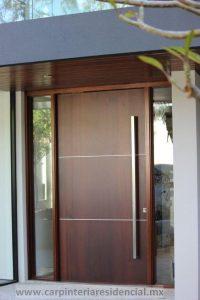 Puerta exterior moderna de madera bonita