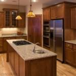 cocina-integral-madera-grande-granito-funcional-residencial-san-luis-potosi